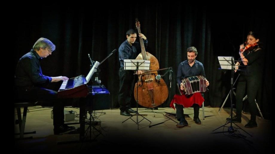 La Orquesta Escuela de Tango del Neuquén, dirigida por Enrique Nicolás, será parte del espectáculo.