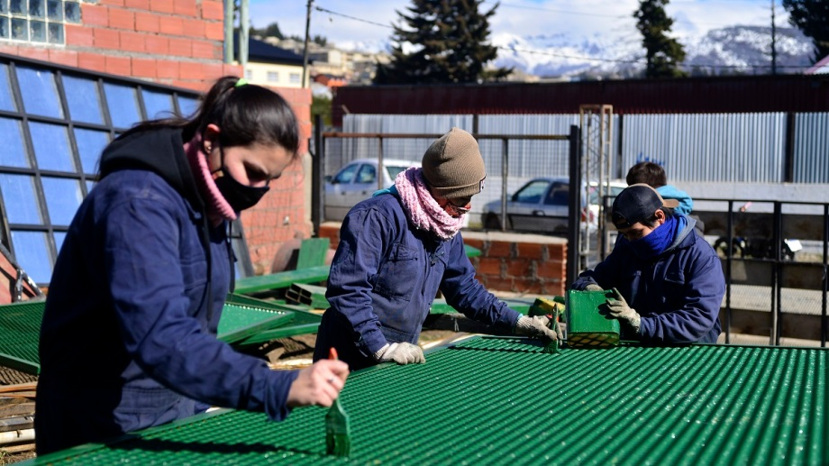 Bariloche tiene decenas de cooperativas de trabajo que buscan una alternativa para integrarse al mundo laboral. Foto: Chino Leiva