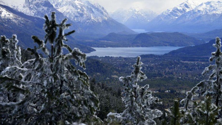 Se espera que estas sean las últimas nevadas en la zona cordillerana. Foto: agencia Bariloche.-