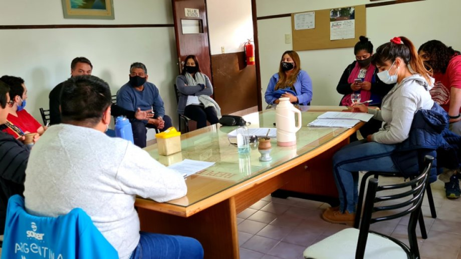 El Consejo Local de Transporte quedó integrado por concejales, taxistas e integrantes del Ejecutivo Municipal. Foto. Gentileza.