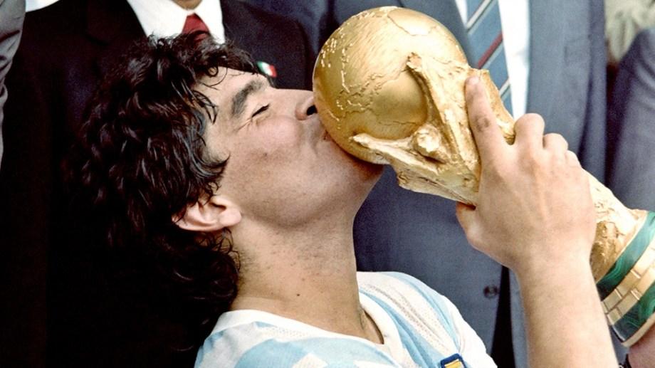 Reactivaron las redes de Maradona.