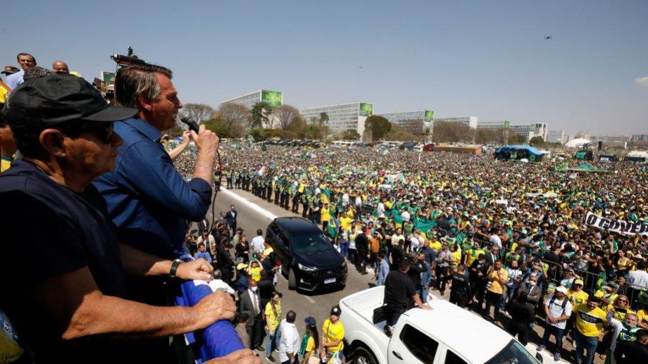 Bolsonaro apuntó contra el juez de la corte Alexandre de Moraes, durante la manifestación del martes.