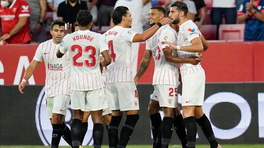 Sevilla alcanzó al Atlético en la tabla y ambos son escoltas del Real Madrid.