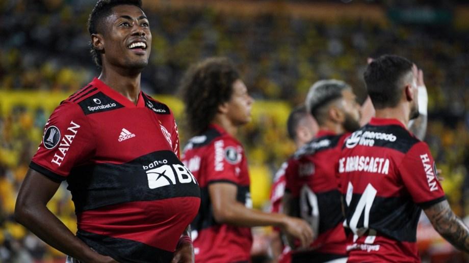 Bruno Henrique marcó los dos goles de Flamengo ante Barcelona.   Foto: gentileza