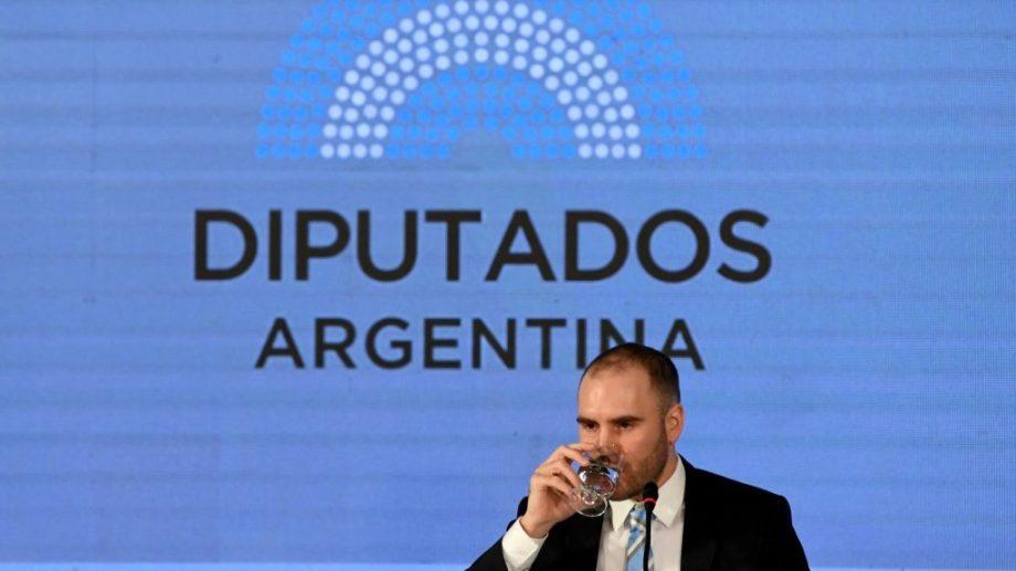 El proyecto de ley que envió Martín Guzmán ingresó al Congreso en tiempo y forma, pero su debate tendrá esperar a que el conflicto interno termine.