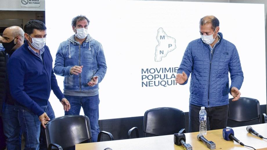 La mayoría de los funcionarios del gabinete de Omar Gutiérrez evitaron la foto de la derrota en la Junta de Gobierno del MPN. Foto: Florencia Salto