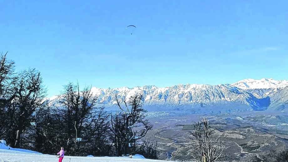 La empresa también maneja el centro de esquí de El Bolsón, que está en el mismo cerro. Foto: archivo