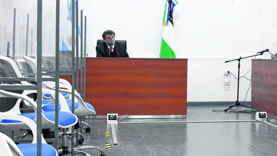 Marcelo Gómez durante el primer juicio por jurados en Cipolletti. Fue en agosto pasado por el femicidio de Agustina Atencio de Catriel.  (Florencia Salto)