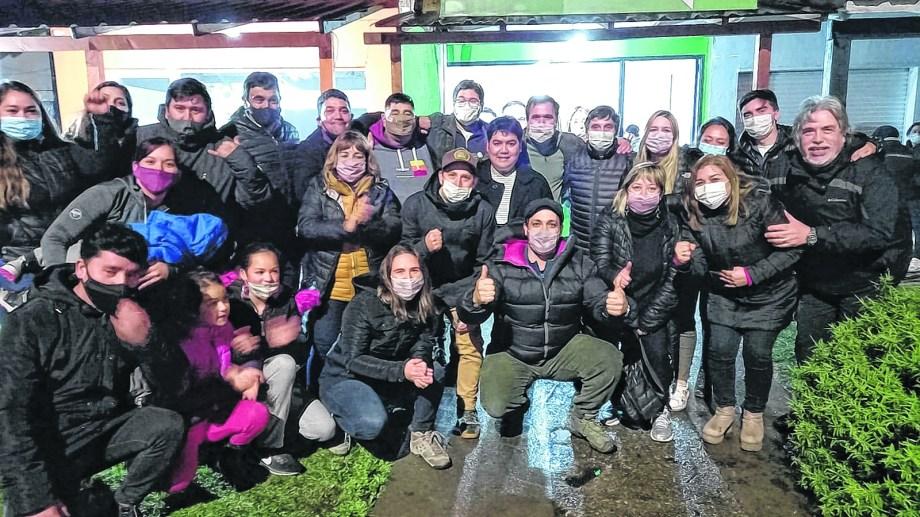 Los referentes de Juntos Somos Río Negro celebraron el triunfo en el local partidario. Foto: gentileza