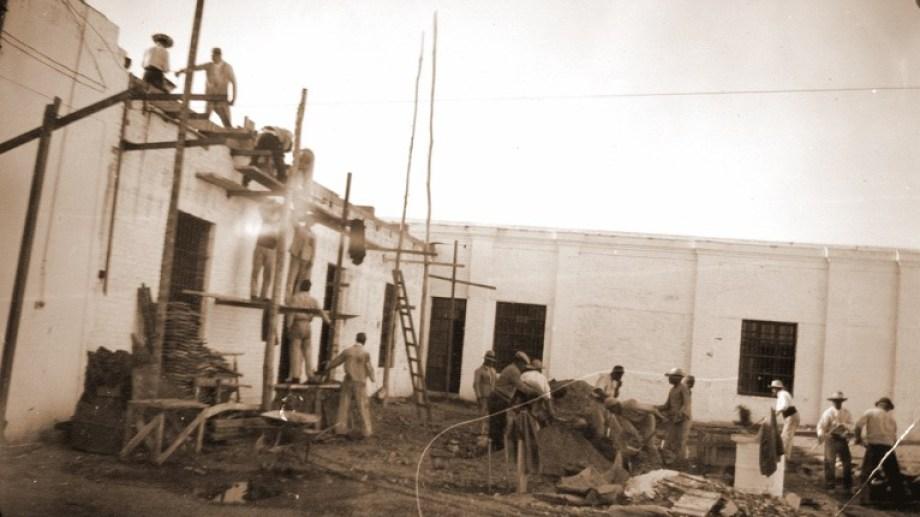 En 1908 se aprobó el proyecto para construir la penitenciaría de Neuquén. Se levantaron cinco pabellones, sin muro perimetral. Foto: Gentileza Archivo Histórico Municipal