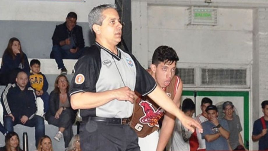 Moncloba, fue Director Regional de la Escuela de Árbitros de FeBAMBA, fue acusado por hostigamiento.