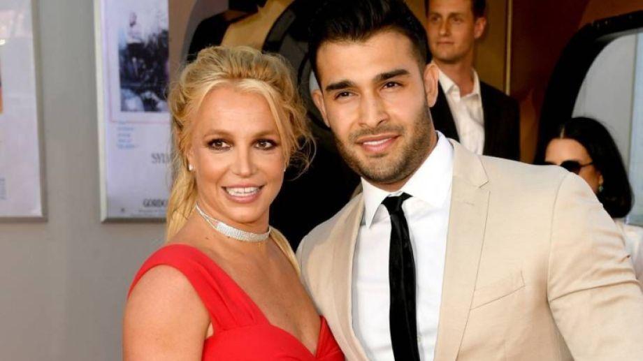 La artista se casará por tercera vez, con su entrenador Sam Asghari.-