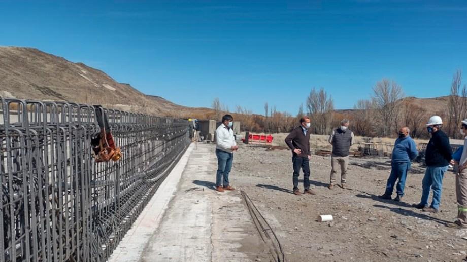 La obra reemplazará al actual puente de una sola mano y buscará mejorar la conectividad en el sur de Neuquén. Foto: Gentileza