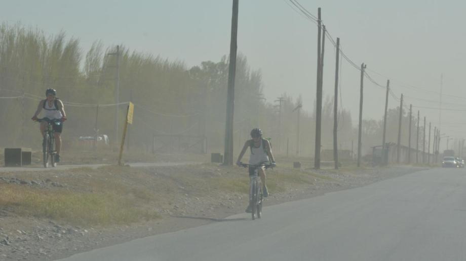 """La AIC pronosticó """"períodos ventosos"""" en la región. Foto: Yamil Regules"""