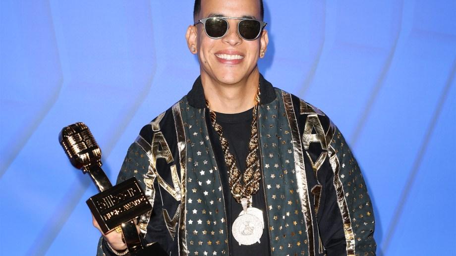 Daddy Yankee es el primer músico urbano en recibir el premio Salón de la Fama de Billboard.