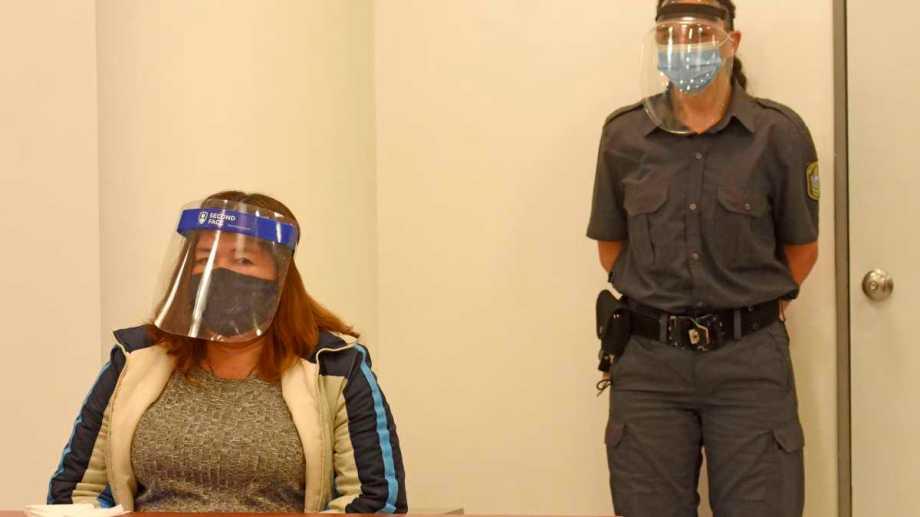 Sara Miranda tiene 47 años y llegó a juicio con prisión domiciliaria. Foto Florencia Salto.