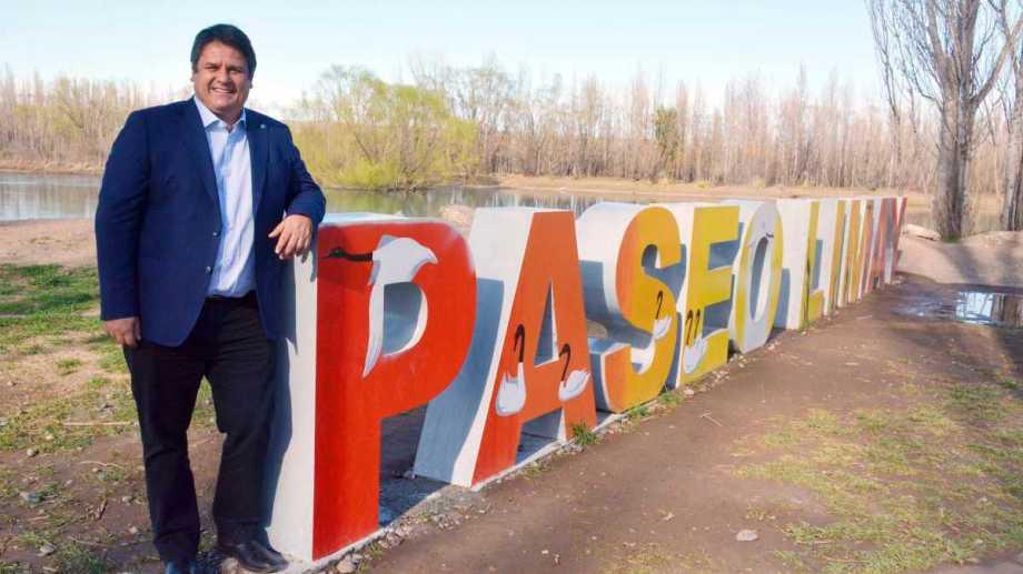 En el verano el Paseo del Limay llegará a la confluencia de los ríos. La obra desarrollará una de las zonas más lindas de la ciudad de Neuquén. (FOTOS: Yamil Regules).