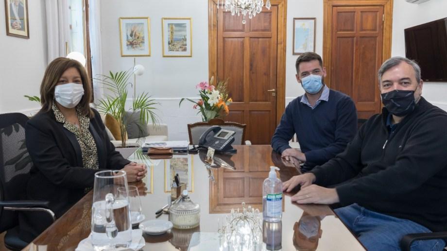 La gobernadora Carreras y el dirigente Aguiar volvieron a reunirse este miércoles. Participó también el ministro Buteler. Foto: Gentileza.
