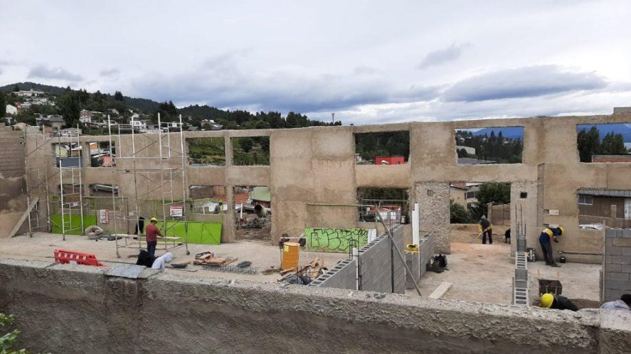El edificio del barrio Alborada de Bariloche fue solventado con aportes del contrato del cerro Catedral. Foto: Municipalidad de Bariloche