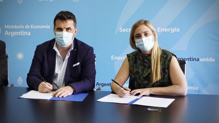 Soria firmó el acuerdo con el secretario de Energía, Darío Martínez. (foto: gentileza)