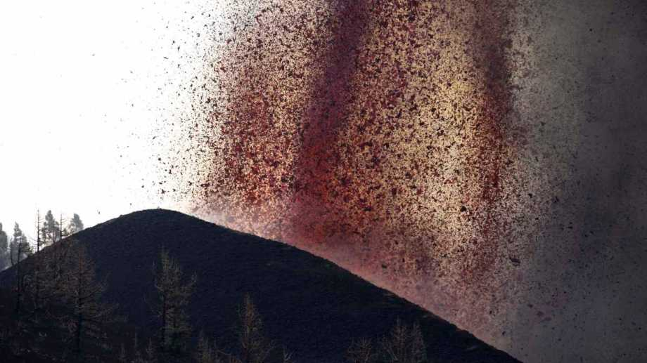 La erupcion del volcán Cumbre Vieja generó destrozos en La Palma, Islas Canarias. Fotos AP.