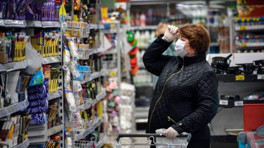 El poder adquisitivo sigue cayendo en su competencia con los precios.-