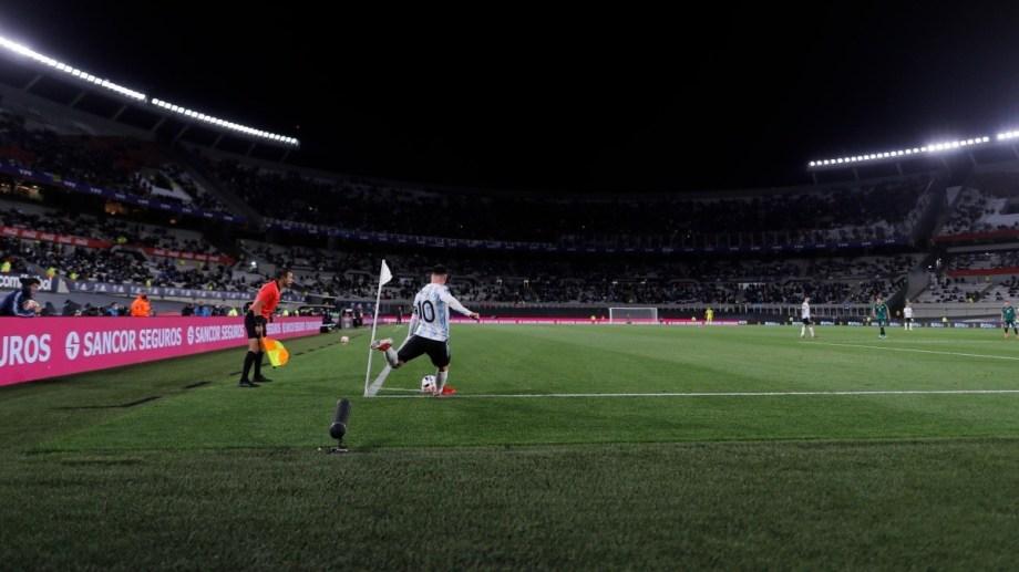 Argentina recibirá a Perú y Uruguay en el Monumental en octubre.