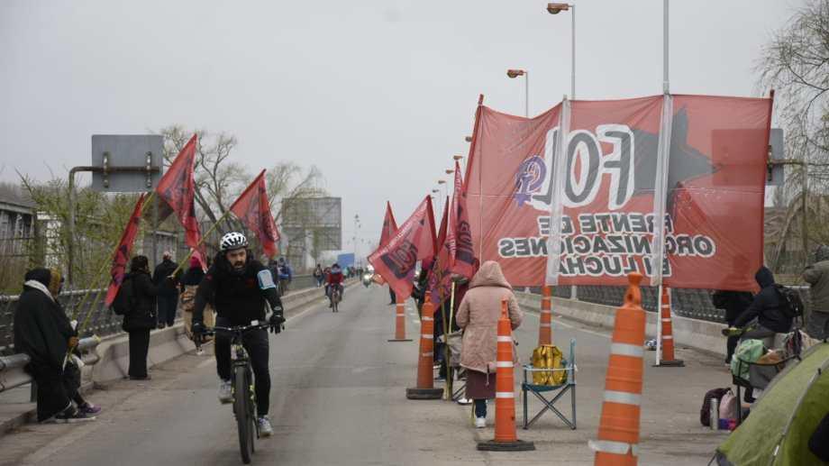 Las organizaciones anunciaron que volverán a cortar los puentes mañana. (Archivo Florencia Salto)