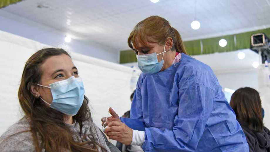 Se completan esquemas de Sinopharm en la mayoría de las jornadas de vacunación de Neuquén.