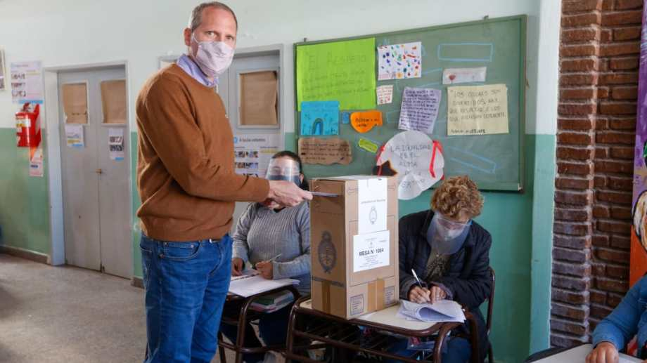 Alejandro Palmieri, vicegobernador de Río Negro votó en Roca. Foto: Juan Thomes