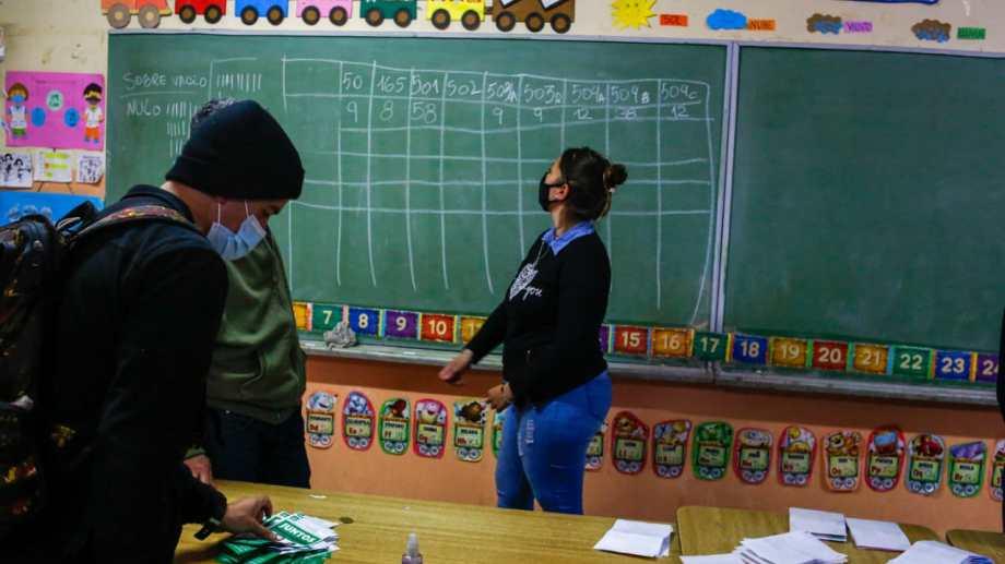 Tras el recuento, la dirigencia se concentró en las evaluaciones. Foto: juan Thomes.