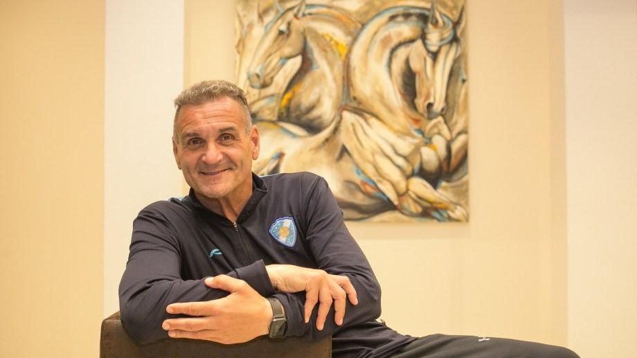 El arquero de la selección nacional campeona del Mundo en el 86 y actual DT habló de todos los temas con el diario. Foto: Pablo Leguizamon