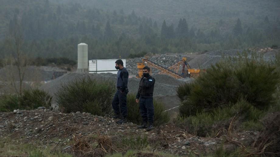 El cadáver lo encontraron en el predio donde funciona una cantera privada, en la zona sur de Bariloche. Foto: Marcelo Martínez