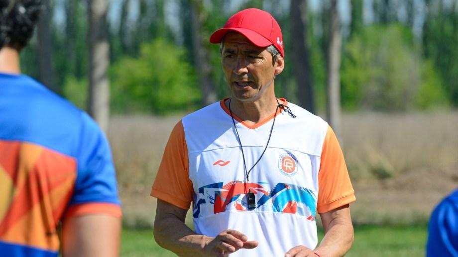 Fabián Pacheco es el nuevo director técnico de Deportivo Roca que participará en el Torneo Regional Amateur de fútbol. Foto: Andrés Maripe
