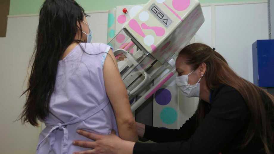 Durante el mes de octubre se refuerzan las campañas de prevención en lucha contra el cáncer de mama. (Foto: Juan Thomes)
