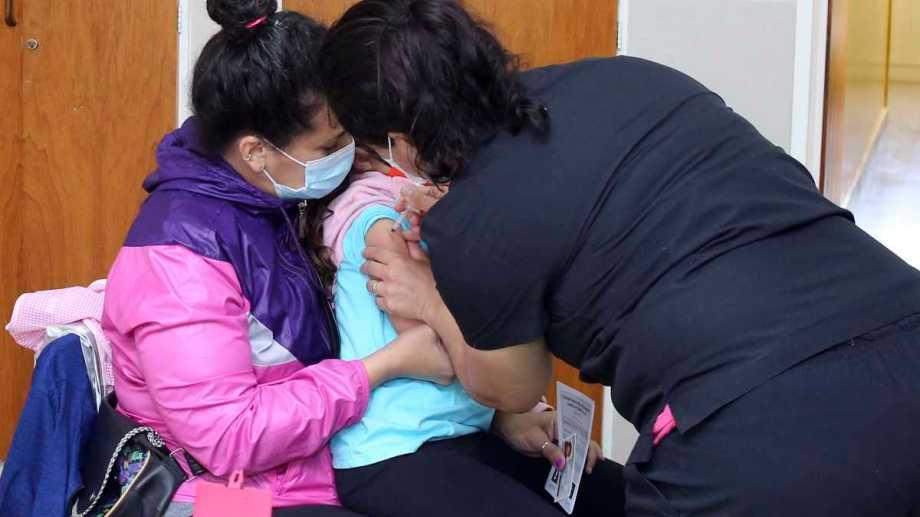 Este miércoles comienza la vacunación a chicos de 3 a 11 años en Bariloche. Foto: Juan Thomes