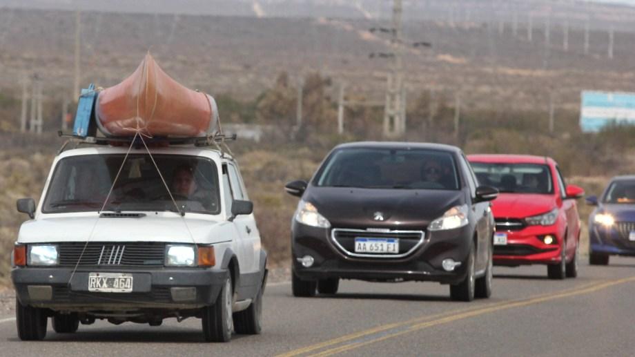 La zona de Arroyito y Senillosa registran el mayor flujo vehicular. Foto: Oscar Livera