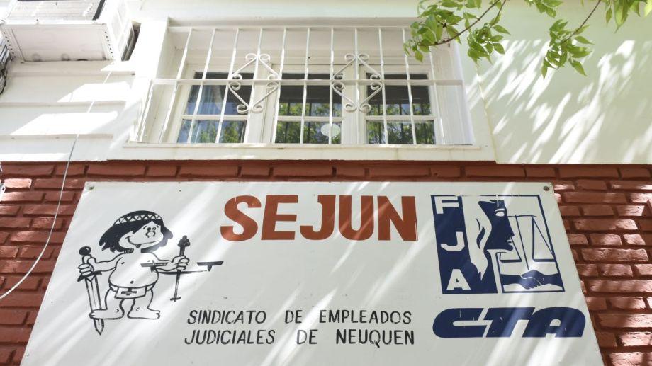 La sede gremial, ubicada en Rioja 486 de la ciudad capital, es uno de los lugares en los que se podrá votar. Foto Florencia Salto.