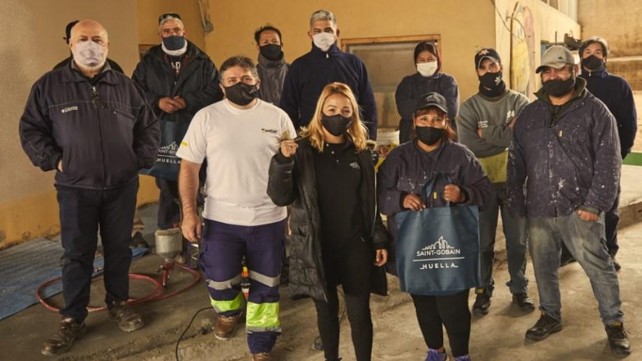 Yésica también asistió a la capacitación que el programa Huella Saint-Gobain hizo, además de la donación de materiales.
