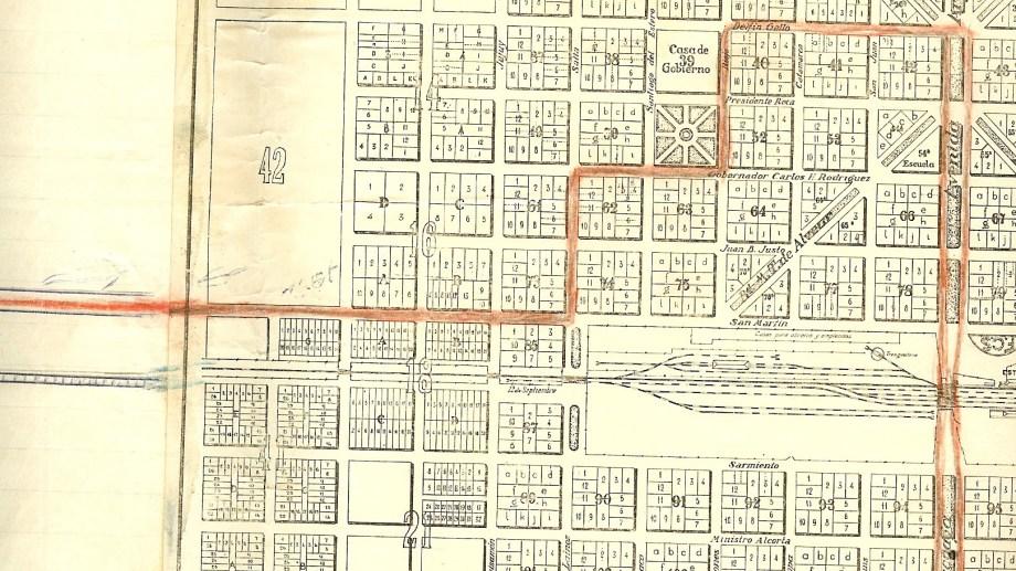 Recorrido hasta el Cuartel. (Fotos: Archivo Histórico Municipal)
