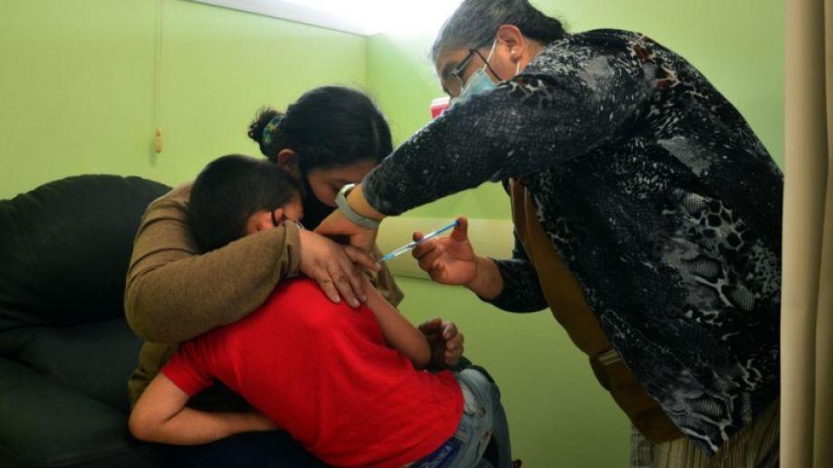 Sigue la vacunación para menores de 3 a 11 años. Foto: Marcelo Ochoa