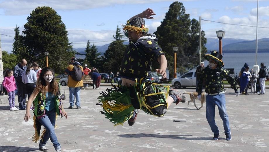 Resultado de imagen para murgas y comparsas de Bariloche