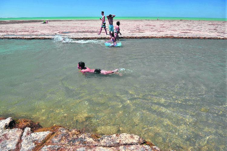 Terrazas Al Mar Una Playa Para Descubrir
